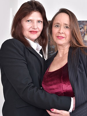Two hairy British housewives getting full lesbian - 16 pics - Mature Cherry
